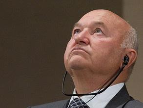Эта фотография сделана за день до того, как был обнародован указ президента об отставке Юрия Лужкова. Фото: РИА Новости