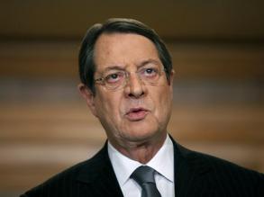 Президент Кипра обвинил ЕС в экспериментах над островом
