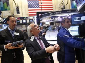 Инвесторы спешат вывести средства из российского рынка