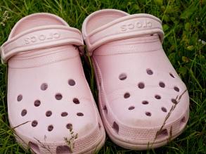 В России продана миллионная пара обуви Crocs