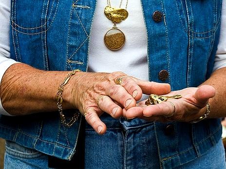 http://m1.bfm.ru/news/maindocumentphoto/2011/08/30/gold1.jpg