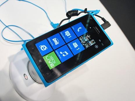 lumia 800 не ловит сеть